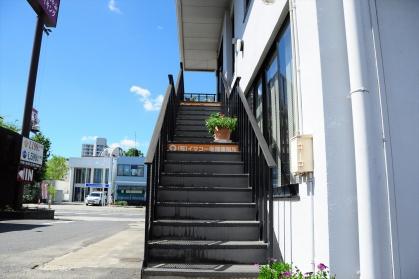 イマコー保険事務所階段